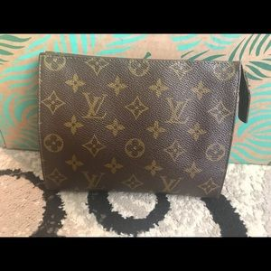 Louis Vuitton toiletry 19 pouch cosmetic case